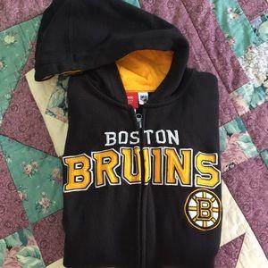 🏒 Boston Bruins Zip-Up Hoodie!